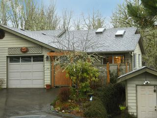 Photo 1: 26 2190 Drennan St in Sooke: Sk Sooke Vill Core Row/Townhouse for sale : MLS®# 833261