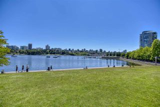 """Photo 26: 105 1383 MARINASIDE Crescent in Vancouver: Yaletown Townhouse for sale in """"COLUMBUS"""" (Vancouver West)  : MLS®# R2478306"""