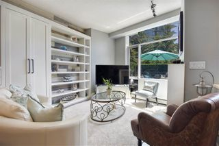 """Photo 2: 105 1383 MARINASIDE Crescent in Vancouver: Yaletown Townhouse for sale in """"COLUMBUS"""" (Vancouver West)  : MLS®# R2478306"""