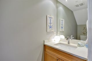 """Photo 17: 105 1383 MARINASIDE Crescent in Vancouver: Yaletown Townhouse for sale in """"COLUMBUS"""" (Vancouver West)  : MLS®# R2478306"""