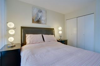 """Photo 17: 906 909 MAINLAND Street in Vancouver: Yaletown Condo for sale in """"YALETOWN PARK"""" (Vancouver West)  : MLS®# R2492754"""