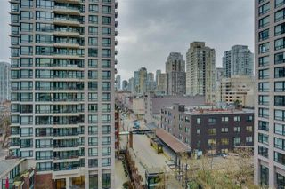 """Photo 15: 906 909 MAINLAND Street in Vancouver: Yaletown Condo for sale in """"YALETOWN PARK"""" (Vancouver West)  : MLS®# R2492754"""