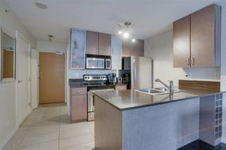 """Photo 10: 906 909 MAINLAND Street in Vancouver: Yaletown Condo for sale in """"YALETOWN PARK"""" (Vancouver West)  : MLS®# R2492754"""