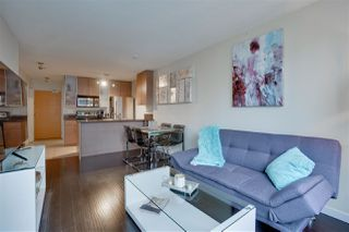 """Photo 11: 906 909 MAINLAND Street in Vancouver: Yaletown Condo for sale in """"YALETOWN PARK"""" (Vancouver West)  : MLS®# R2492754"""