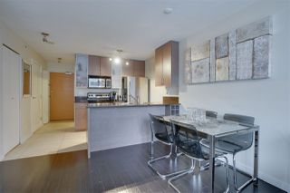 """Photo 12: 906 909 MAINLAND Street in Vancouver: Yaletown Condo for sale in """"YALETOWN PARK"""" (Vancouver West)  : MLS®# R2492754"""