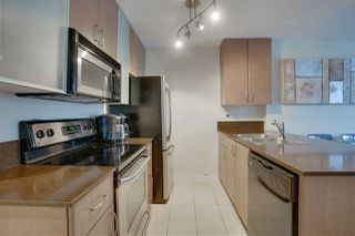 """Photo 9: 906 909 MAINLAND Street in Vancouver: Yaletown Condo for sale in """"YALETOWN PARK"""" (Vancouver West)  : MLS®# R2492754"""