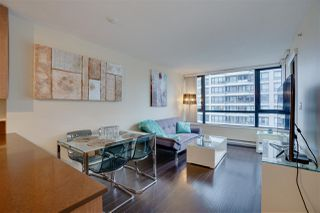 """Photo 5: 906 909 MAINLAND Street in Vancouver: Yaletown Condo for sale in """"YALETOWN PARK"""" (Vancouver West)  : MLS®# R2492754"""