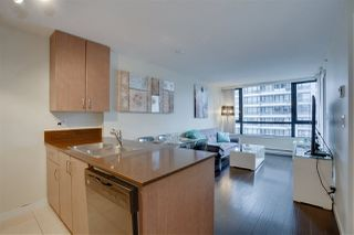 """Photo 7: 906 909 MAINLAND Street in Vancouver: Yaletown Condo for sale in """"YALETOWN PARK"""" (Vancouver West)  : MLS®# R2492754"""