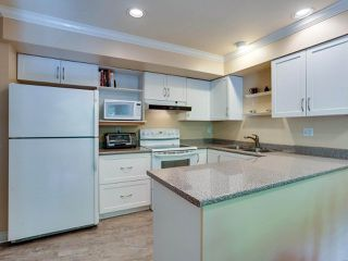 """Photo 13: B2 275 E 4TH Street in North Vancouver: Lower Lonsdale Townhouse for sale in """"BIRCHTREE SQUARE"""" : MLS®# R2497894"""