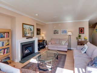 """Photo 9: B2 275 E 4TH Street in North Vancouver: Lower Lonsdale Townhouse for sale in """"BIRCHTREE SQUARE"""" : MLS®# R2497894"""