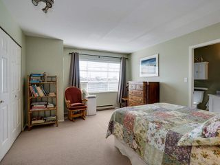 """Photo 15: B2 275 E 4TH Street in North Vancouver: Lower Lonsdale Townhouse for sale in """"BIRCHTREE SQUARE"""" : MLS®# R2497894"""