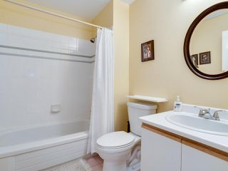 """Photo 19: B2 275 E 4TH Street in North Vancouver: Lower Lonsdale Townhouse for sale in """"BIRCHTREE SQUARE"""" : MLS®# R2497894"""