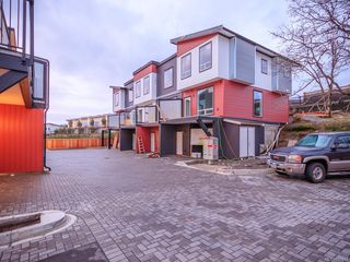 Photo 3: 102 1726 Kerrisdale Rd in : Na Central Nanaimo Row/Townhouse for sale (Nanaimo)  : MLS®# 855833