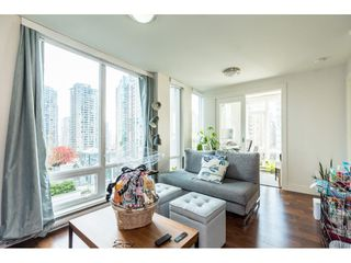Photo 5: 702 565 SMITHE Street in Vancouver: Downtown VW Condo for sale (Vancouver West)  : MLS®# R2419614