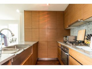Photo 7: 702 565 SMITHE Street in Vancouver: Downtown VW Condo for sale (Vancouver West)  : MLS®# R2419614