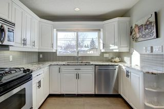 Photo 10: 423 Arlington Drive SE in Calgary: Acadia Detached for sale : MLS®# C4287515