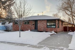 Photo 1: 423 Arlington Drive SE in Calgary: Acadia Detached for sale : MLS®# C4287515