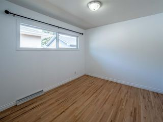 Photo 7: 1020W 39 Avenue NW in Calgary: Cambrian Heights Semi Detached for sale : MLS®# A1025366