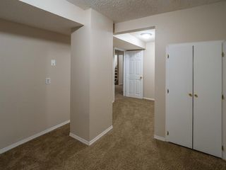 Photo 15: 1020W 39 Avenue NW in Calgary: Cambrian Heights Semi Detached for sale : MLS®# A1025366