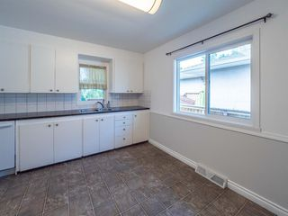 Photo 13: 1020W 39 Avenue NW in Calgary: Cambrian Heights Semi Detached for sale : MLS®# A1025366