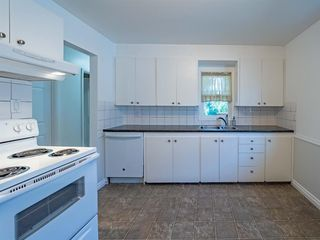 Photo 11: 1020W 39 Avenue NW in Calgary: Cambrian Heights Semi Detached for sale : MLS®# A1025366