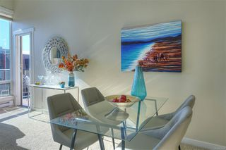 Photo 3: 405 330 Waterfront Cres in : Vi Rock Bay Condo for sale (Victoria)  : MLS®# 854904