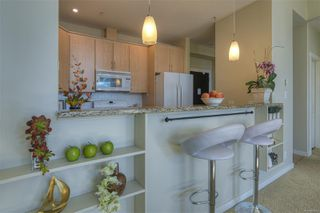 Photo 10: 405 330 Waterfront Cres in : Vi Rock Bay Condo for sale (Victoria)  : MLS®# 854904