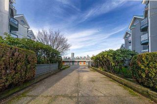 """Main Photo: 19 1345 W 4TH Avenue in Vancouver: False Creek Townhouse for sale in """"Granville Island Village"""" (Vancouver West)  : MLS®# R2497950"""