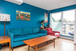 """Photo 4: 19 1345 W 4TH Avenue in Vancouver: False Creek Townhouse for sale in """"Granville Island Village"""" (Vancouver West)  : MLS®# R2497950"""