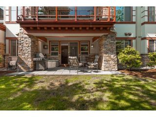 """Photo 13: 101 16499 64 Avenue in Surrey: Cloverdale BC Condo for sale in """"ST. ANDREWS"""" (Cloverdale)  : MLS®# R2390639"""