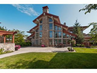 """Photo 16: 101 16499 64 Avenue in Surrey: Cloverdale BC Condo for sale in """"ST. ANDREWS"""" (Cloverdale)  : MLS®# R2390639"""