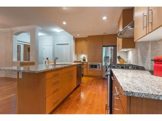 """Photo 4: 101 16499 64 Avenue in Surrey: Cloverdale BC Condo for sale in """"ST. ANDREWS"""" (Cloverdale)  : MLS®# R2390639"""