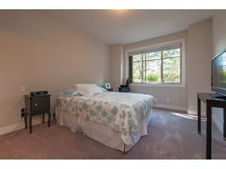 """Photo 8: 101 16499 64 Avenue in Surrey: Cloverdale BC Condo for sale in """"ST. ANDREWS"""" (Cloverdale)  : MLS®# R2390639"""