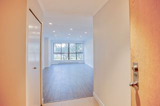 """Photo 3: 204 7040 GRANVILLE Avenue in Richmond: Brighouse South Condo for sale in """"PANORAMA PLACE"""" : MLS®# R2390915"""
