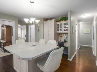 Photo 8: 6416 188A Street in Surrey: Cloverdale BC House for sale (Cloverdale)  : MLS®# R2445513