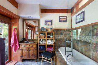 Photo 28: 330 FOREST RIDGE Road: Bowen Island House for sale : MLS®# R2505651