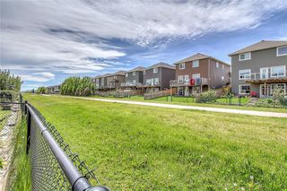 Photo 3: 85 EVEROAK Park SW in Calgary: Evergreen Detached for sale : MLS®# A1042146