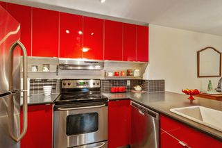 """Photo 10: 203 137 W 17TH Street in North Vancouver: Central Lonsdale Condo for sale in """"Westgate"""" : MLS®# R2520239"""