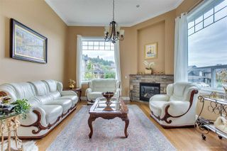 Photo 3: 24903 108 Avenue in Maple Ridge: Thornhill MR House for sale : MLS®# R2410811