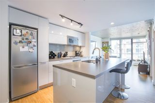 """Photo 5: 2707 108 W CORDOVA Street in Vancouver: Downtown VW Condo for sale in """"WOODWARDS W32"""" (Vancouver West)  : MLS®# R2457769"""