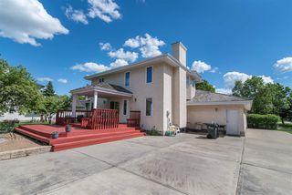 Photo 2: 217 ESTATE Drive: Sherwood Park House for sale : MLS®# E4202252