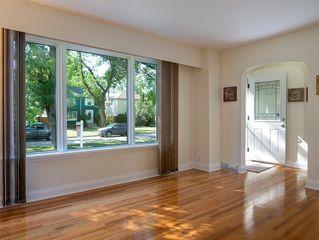 Photo 3: 242 Renfrew Street in Winnipeg: River Heights North Residential for sale (1C)  : MLS®# 202018278