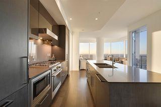 Photo 10: 4401 10360 102 Street in Edmonton: Zone 12 Condo for sale : MLS®# E4219512