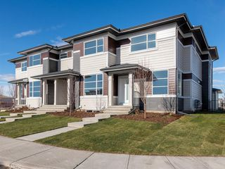 Photo 1: 66 Skyview Parade NE in Calgary: Skyview Ranch Row/Townhouse for sale : MLS®# A1053278