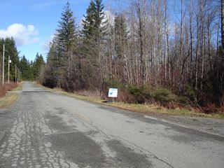 Photo 1: Lot 20 Lory Road: Land Only for sale : MLS®# 210593