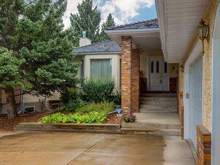 Photo 2: 2281 98 Avenue SW in Calgary: Palliser Detached for sale : MLS®# C4266022