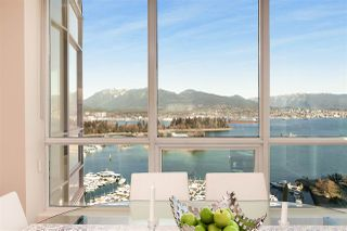 "Photo 9: 2502 588 BROUGHTON Street in Vancouver: Coal Harbour Condo for sale in ""Harbourside"" (Vancouver West)  : MLS®# R2434296"