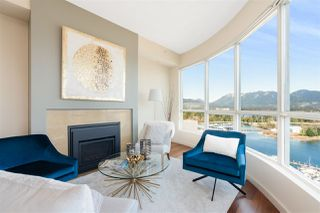 "Photo 2: 2502 588 BROUGHTON Street in Vancouver: Coal Harbour Condo for sale in ""Harbourside"" (Vancouver West)  : MLS®# R2434296"