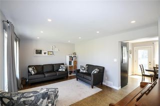 Photo 11: 82 Fourth Avenue North in Blumenort: R16 Residential for sale : MLS®# 202012287