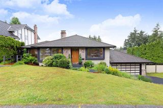 Photo 1: 2550 PEREGRINE Place in Coquitlam: Upper Eagle Ridge House for sale : MLS®# R2465357
